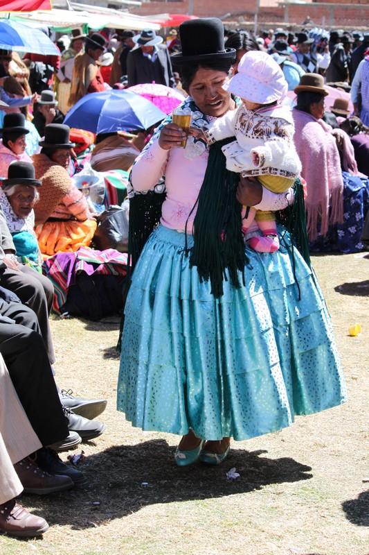 IMAGEN POLLERA BOLIVIANA