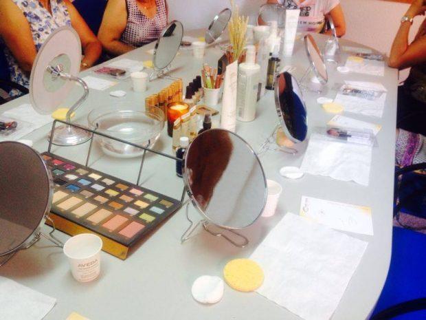 Talleres auto maquillaje para pacientes oncológicos